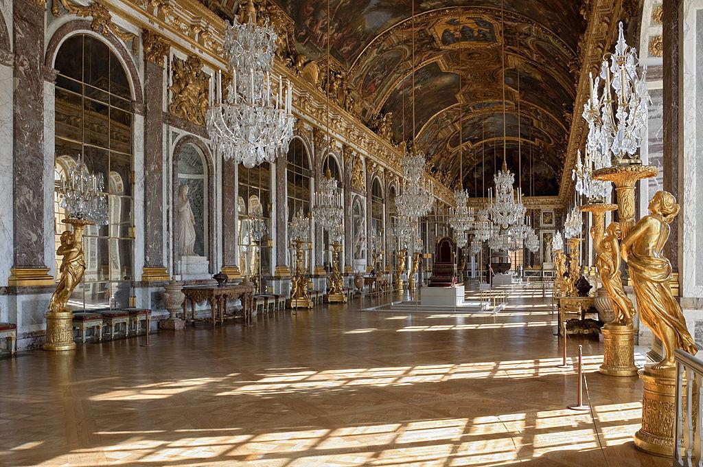 1024px-Chateau_Versailles_Galerie_des_Glaces2